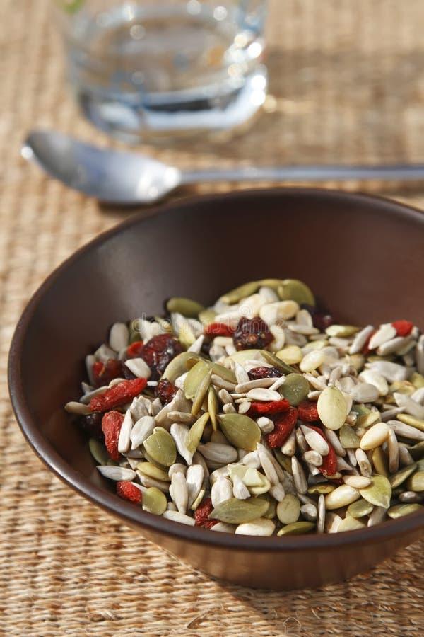 семена хлопий для завтрака здоровые смешанные стоковая фотография rf