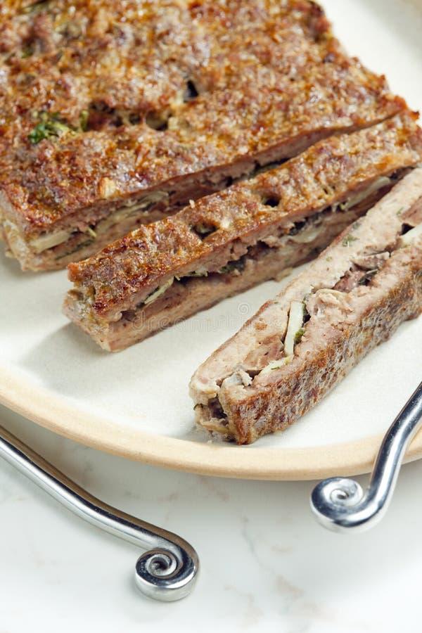 семенить хэш мяса говядины заполненный с champignons и травами стоковая фотография rf
