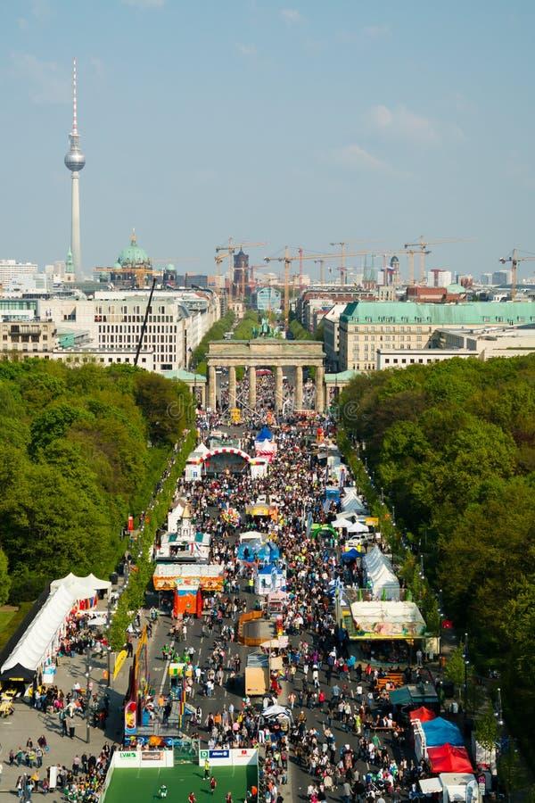 семнадцатая из улицы в июне, и строб Бранденбурга стоковые фото