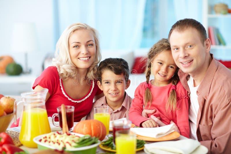 Семья благодарения стоковые фотографии rf