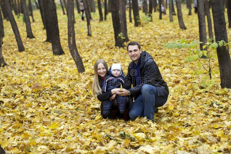 Семья и его ребёнок стоковое фото