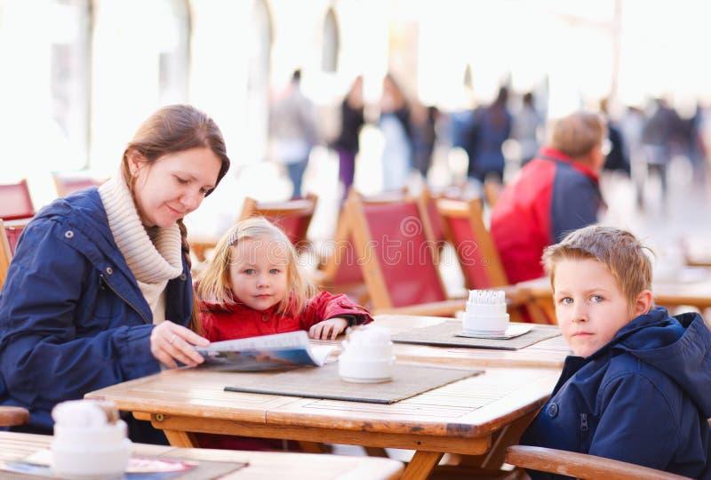 семья кафа напольная стоковое изображение rf