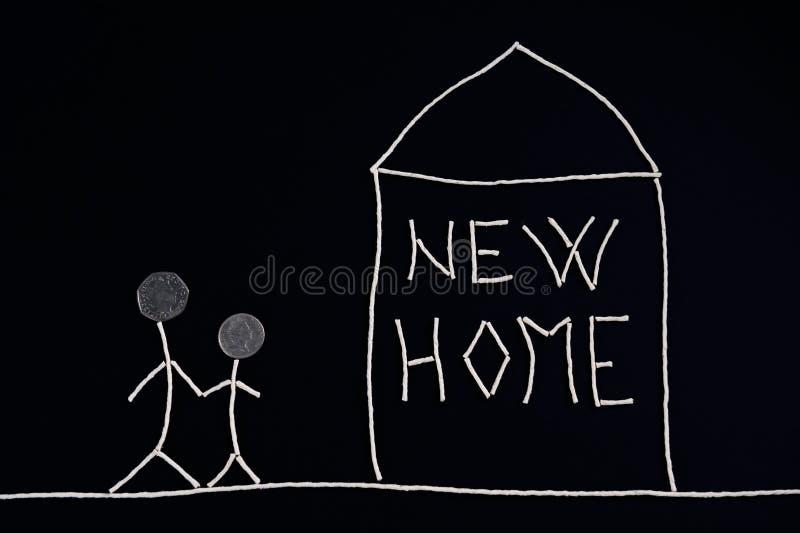 Семья наслаждаясь новым домом, необыкновенной концепцией иллюстрация вектора
