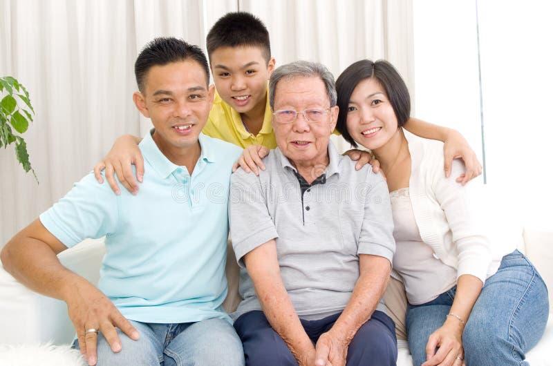 Семья поколений азиата 3 стоковая фотография