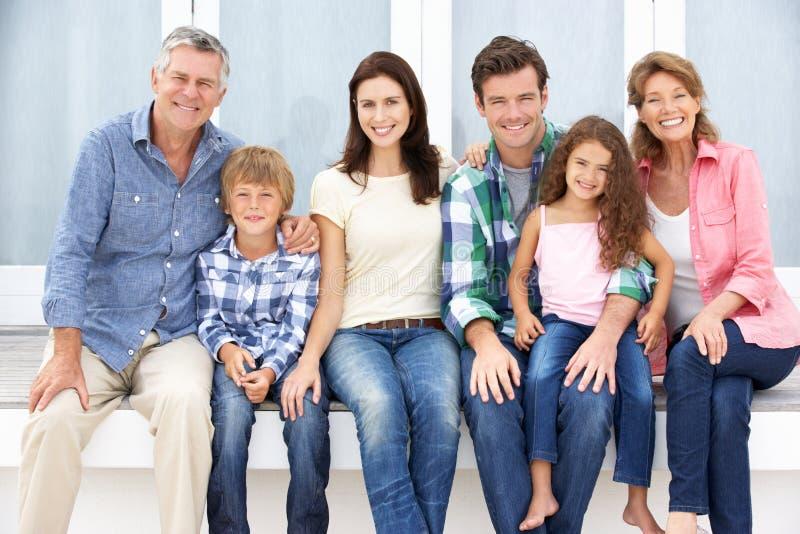 Семья портрета multi-generation outdoors стоковые изображения rf
