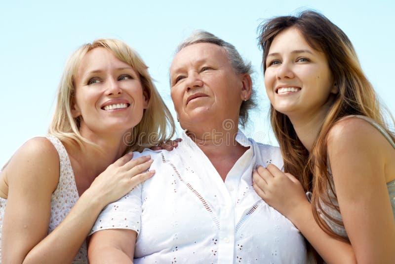 Семья 3 поколений стоковое изображение rf
