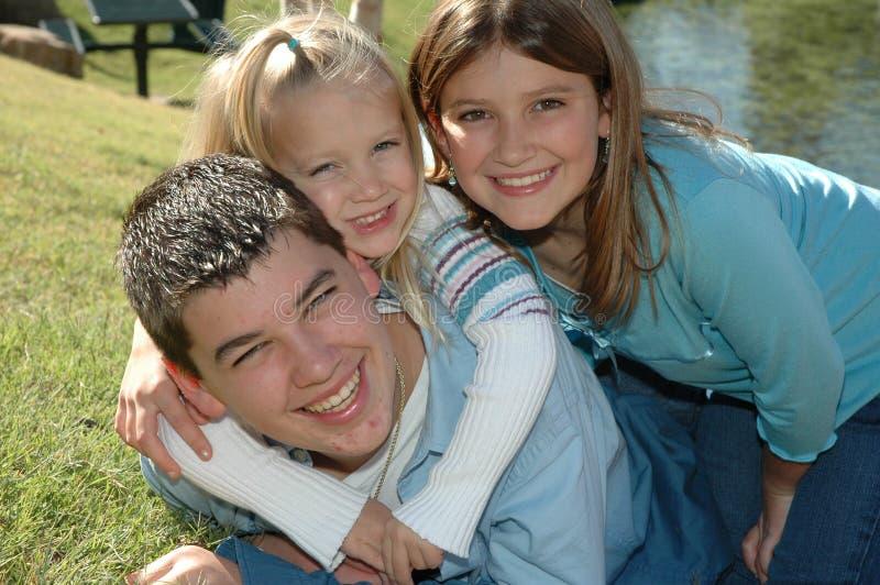 семья 3 счастливая стоковые изображения