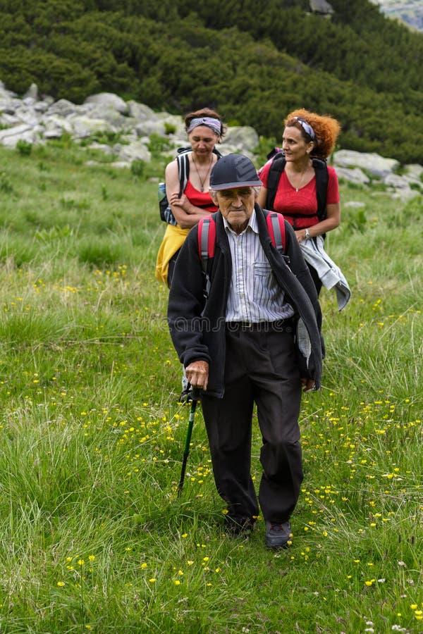Семья hikers стоковое изображение