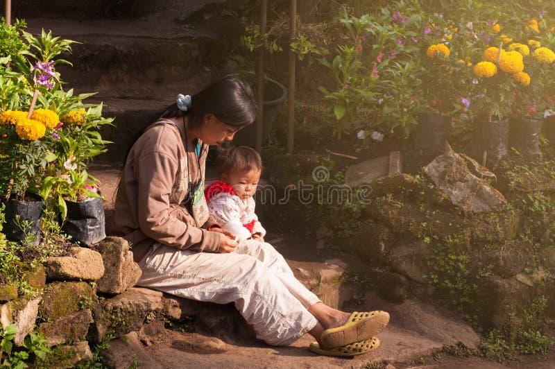 Семья Hmong стоковые изображения rf