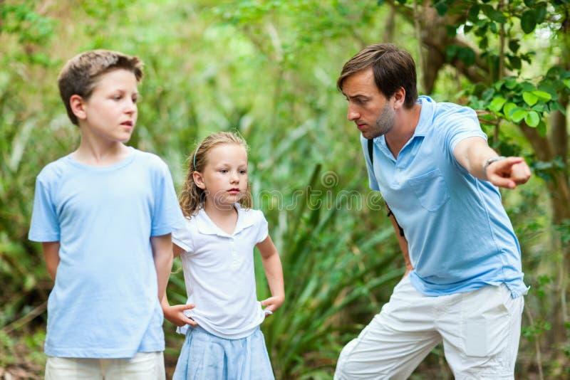 семья outdoors стоковое фото