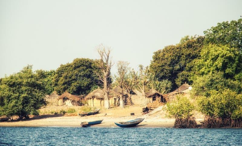 Сенегальская деревня strawhut стоковые изображения rf