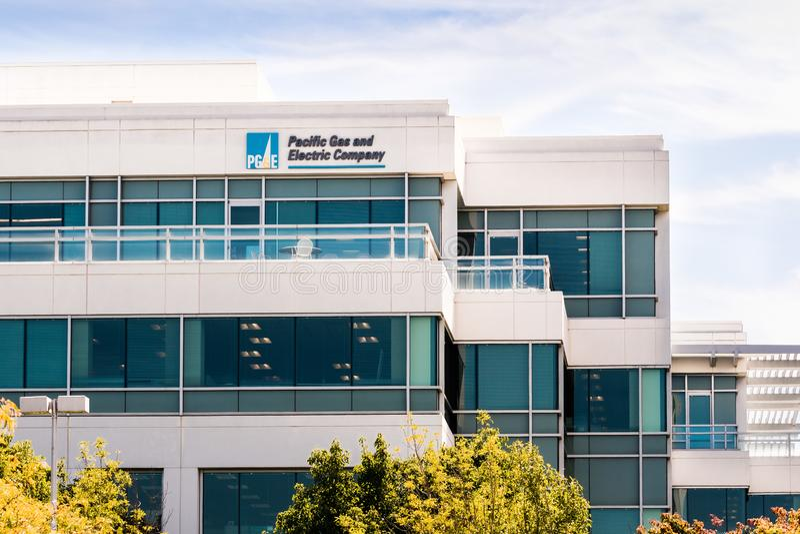 25 сентября 2019 Сан-Рамон / CA / USA - штаб-квартира компании PG&E Pacific Gas and Electric Company в районе залива Ист-Сан-Фран стоковые изображения rf