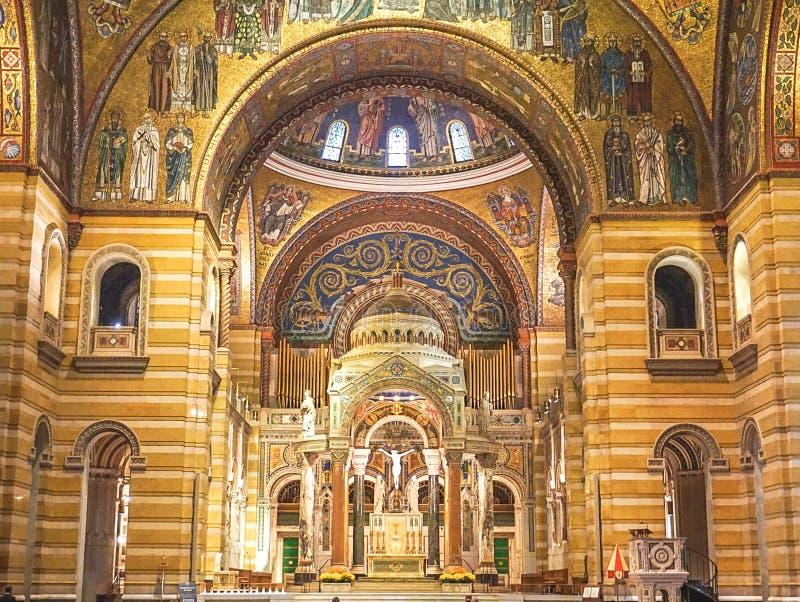 Сент-Луис Миссури: 7-ое ноября 2018; Базилика собора Сент-Луис стоковые фотографии rf