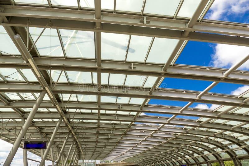Сень автобусной станции стоковое изображение rf