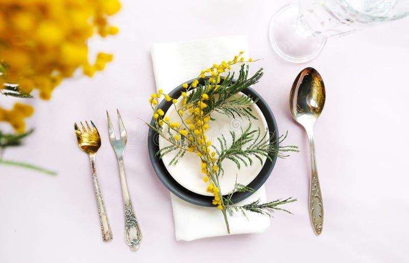 Сервировка стола свадьбы праздника стоковая фотография