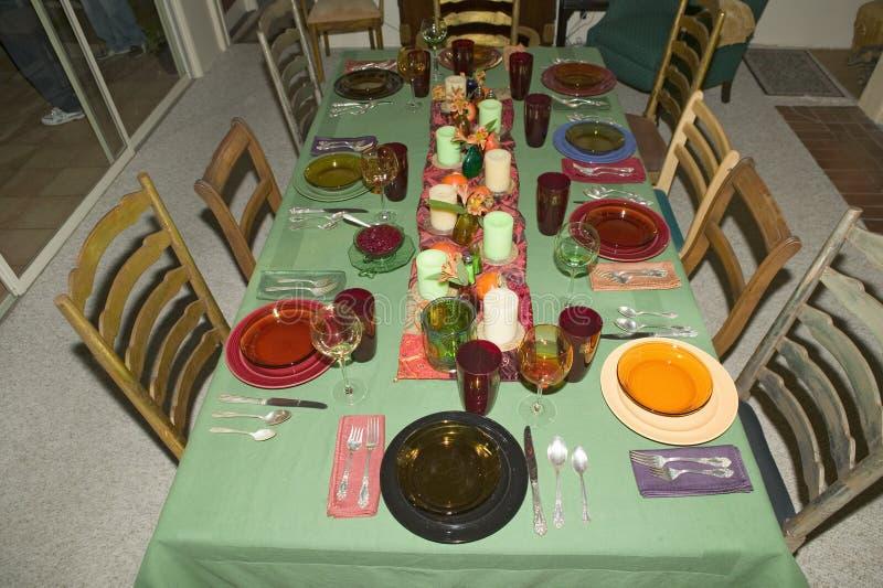 Сервировка стола для обедающего благодарения, Ojai, Калифорнии стоковое фото rf