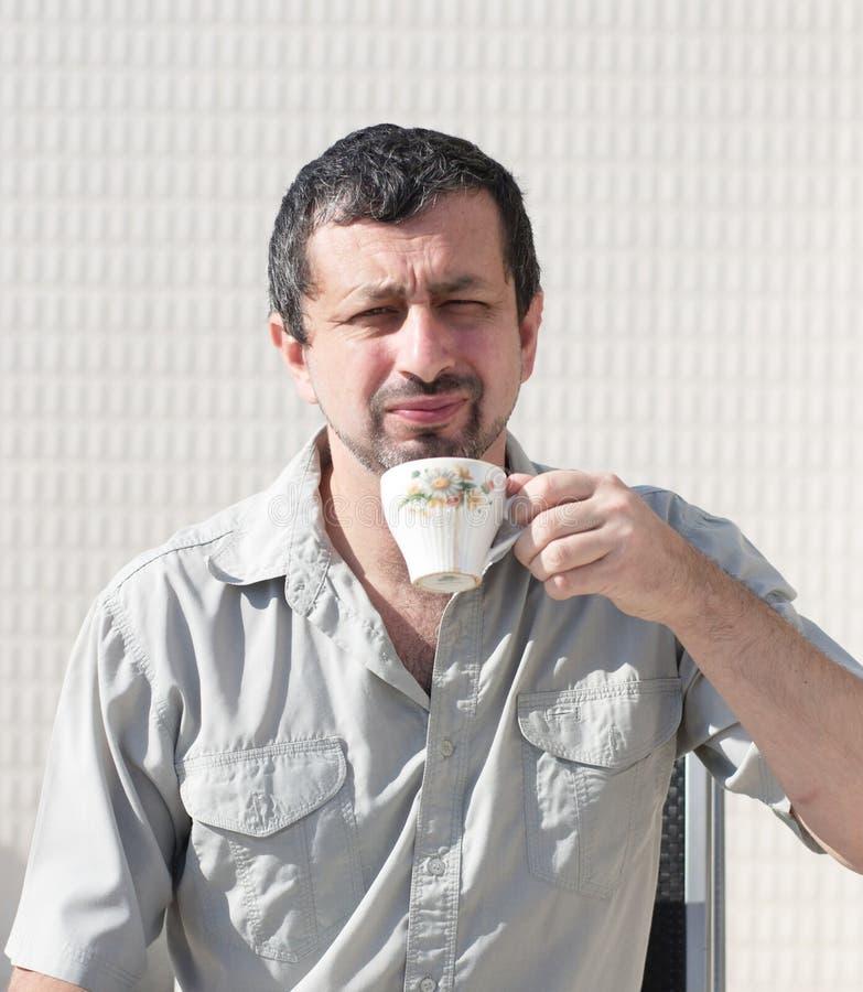 сердитое утро бизнесмена стоковое изображение rf