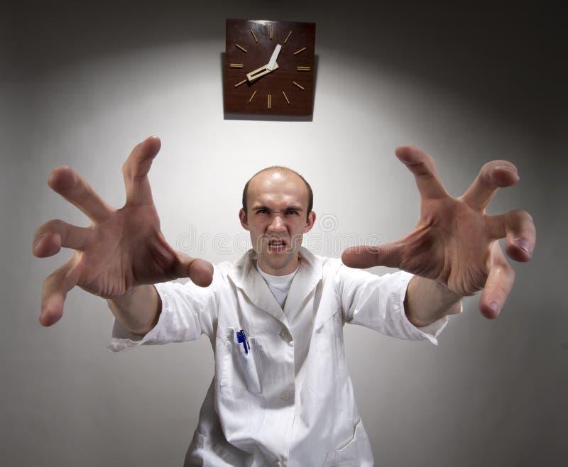 сердитый доктор зловещий стоковая фотография rf