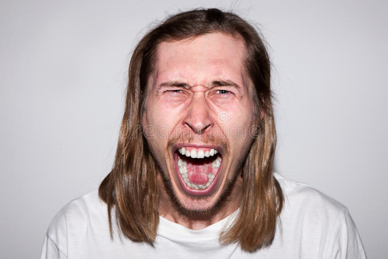 сердитый человек screaming Эмоция ража стоковое изображение rf