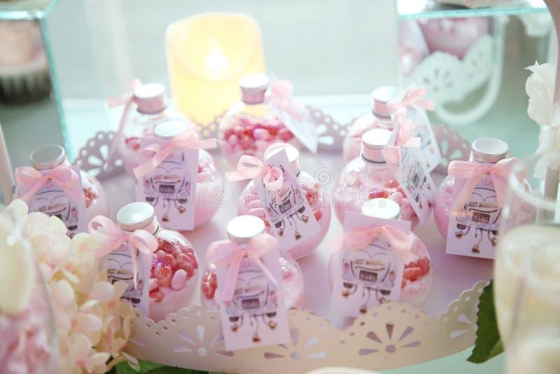 сердца подарка элегантности предпосылки pink романтичное венчание символа стоковое фото rf