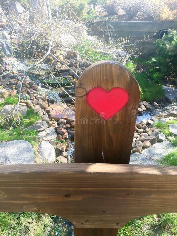 Сердце на столбе стоковые фотографии rf