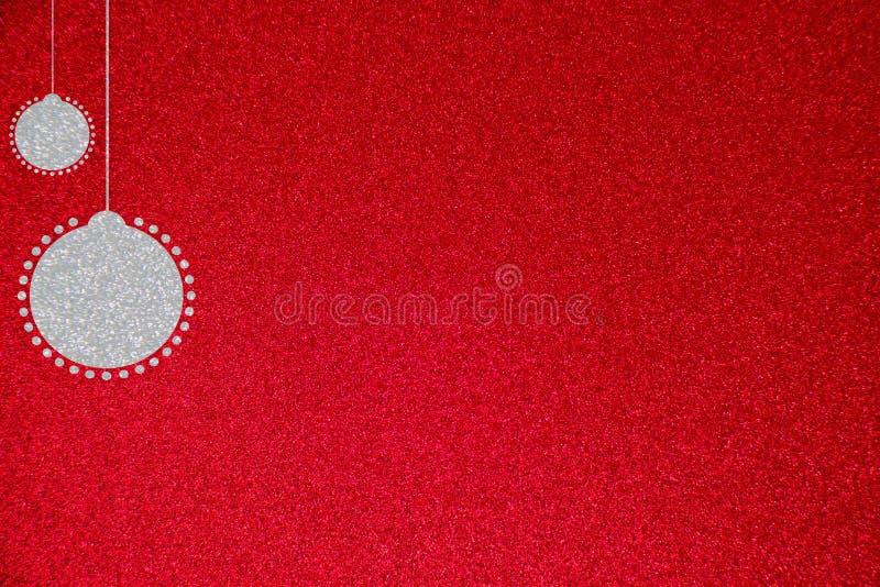 Серебряная иллюстрация предпосылки шарика рождества яркого блеска бесплатная иллюстрация