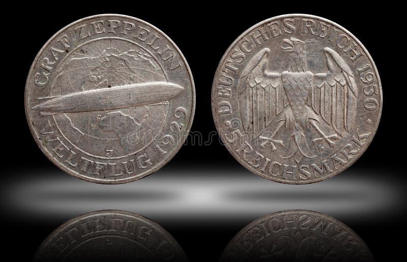 Серебряная монета 5 Германии немецкая республика Веймара Зеппелина 5 меток стоковые фотографии rf