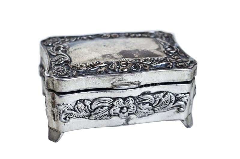 Серебряная шкатулка для драгоценностей изолированная на белизне стоковое изображение
