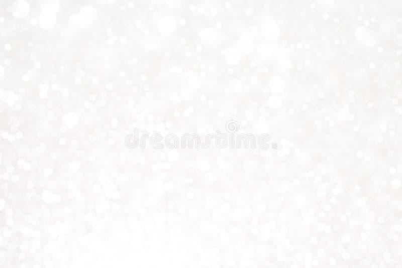 Серебряные белые блестящие света рождества стоковые изображения rf
