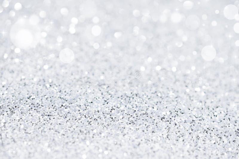 Серебряные белые блестящие света рождества стоковое фото rf