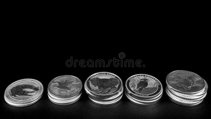 Серебряные монеты стоковые изображения rf