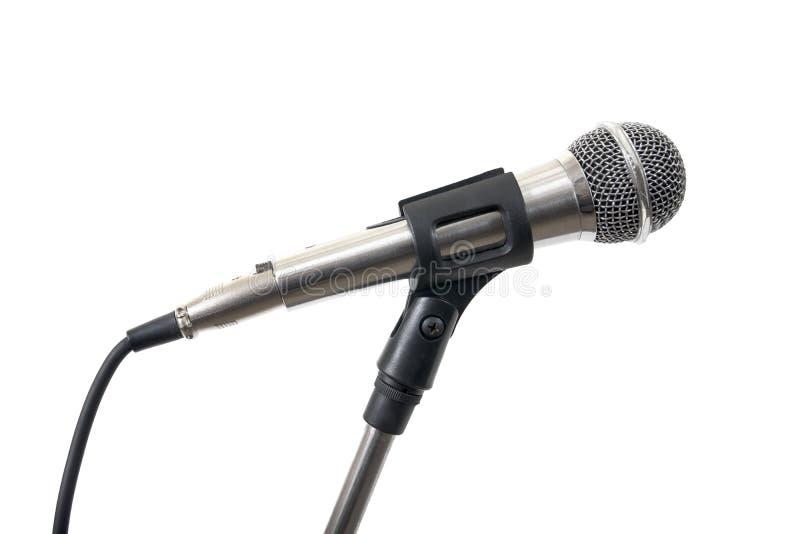 Серебряный микрофон изолированный на белой предпосылке Изолированный микрофон стоковые фото