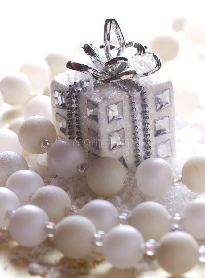 Серебряный подарок рождества стоковое изображение