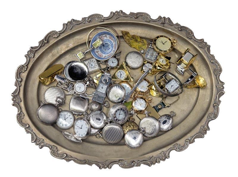 Серебряный поднос с античными аксессуарами стоковые изображения rf