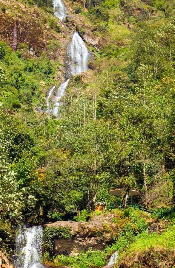 Серебр водопада Bac Thac падает в Sapa Вьетнам стоковое изображение rf