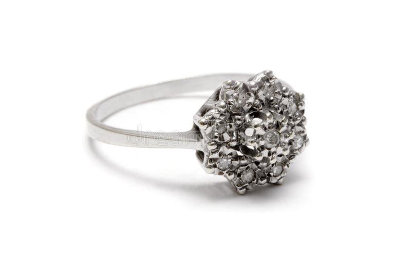 Download серебр кольца диаманта цветения Стоковое Изображение - изображение: 600375