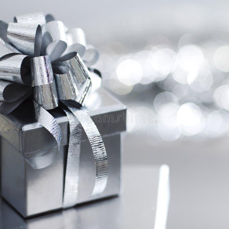 серебр подарка рождества стоковые изображения rf