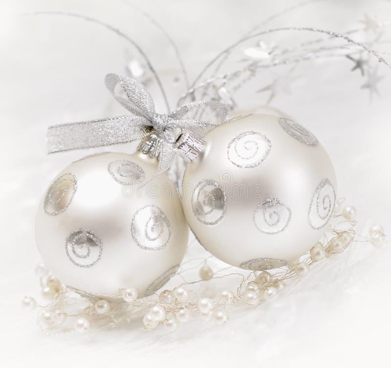 серебр рождества шарика стоковое изображение