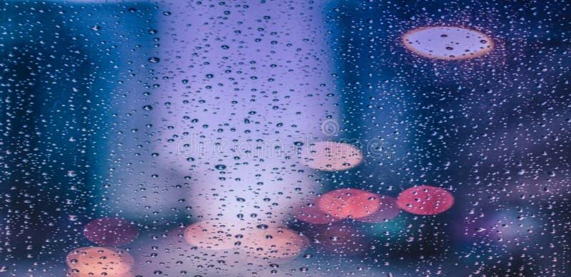 Серые небольшие падения soul… дождя зацветая стоковая фотография