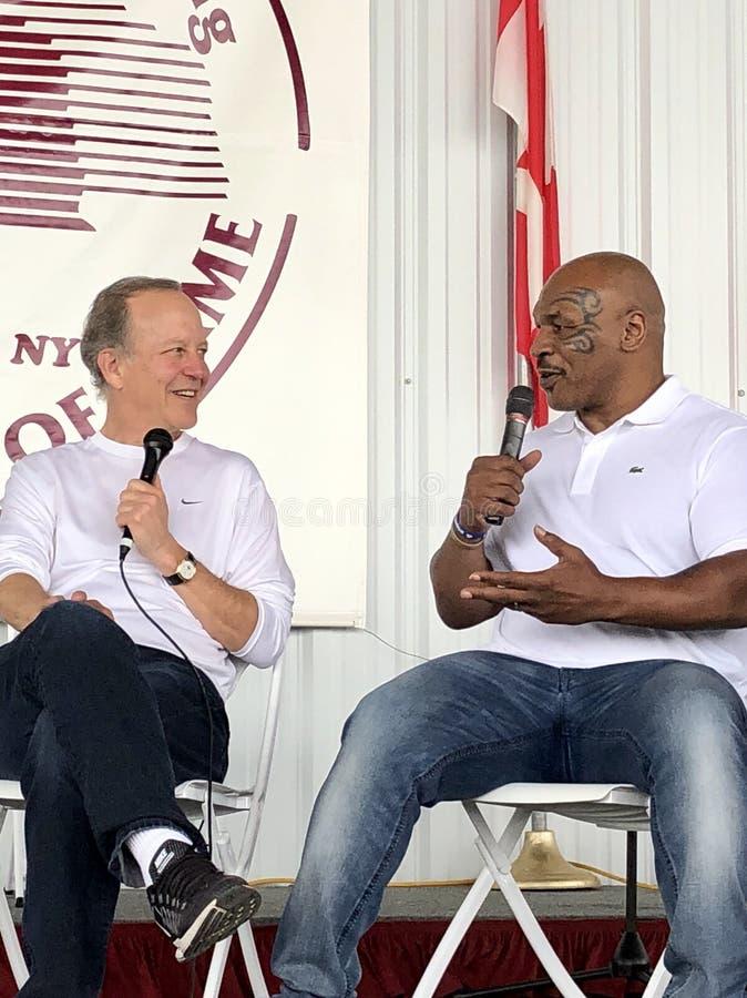 Серый цвет Джима железных сетей Mike Tyson и Showtime стоковые изображения rf