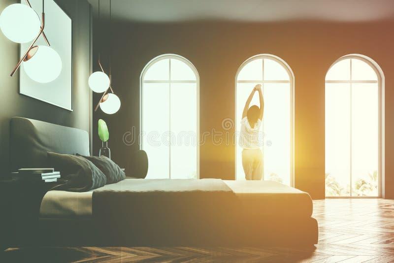 Серый цвет сдобрил интерьер спальни окон, плакат, девушку стоковое изображение