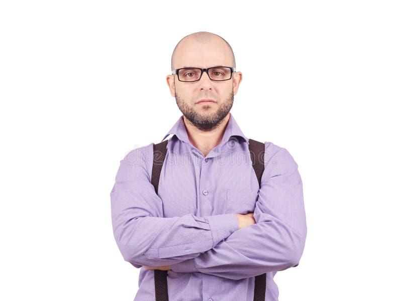 Серьезный облыселый человек при пересеченные оружия стоковое изображение rf