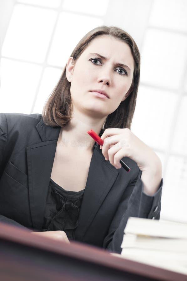 Сердитая бизнес-леди стоковое изображение rf