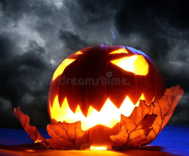 Сердитая тыква хеллоуина стоковая фотография rf