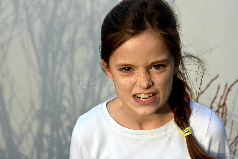 сердитый подросток девушки стоковая фотография rf