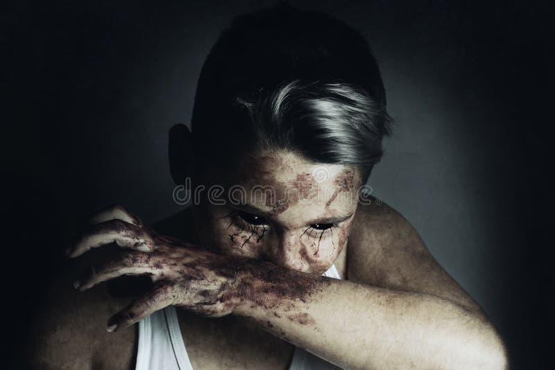 Сердитый wipe bloodsucker рот стоковое изображение rf