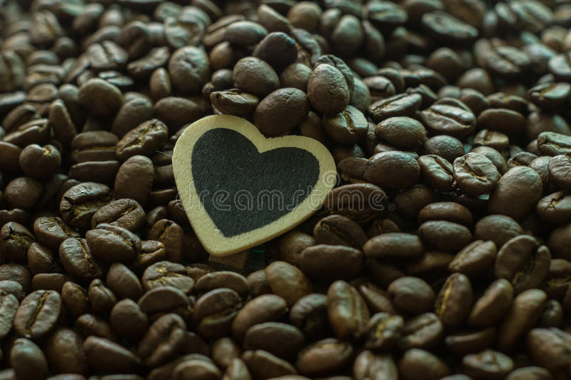 сердце кофейной чашки стоковые изображения rf