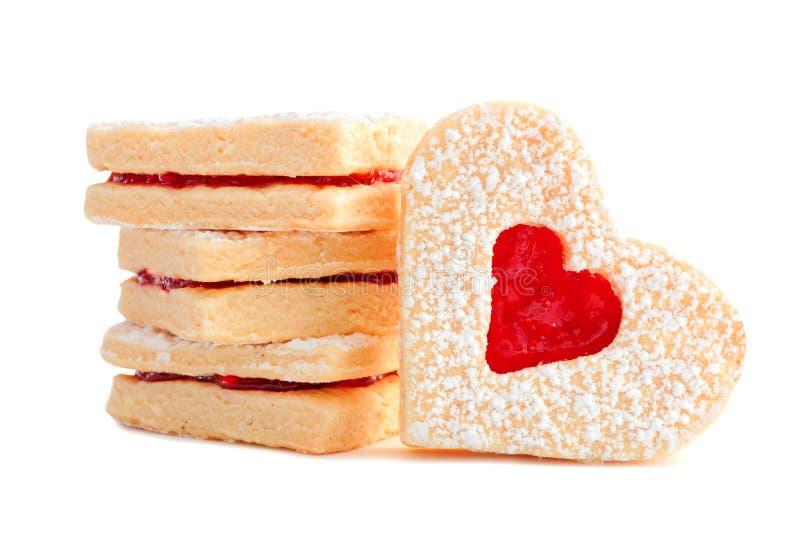 Сердце дня валентинок сформировало печенья при студень изолированный на белизне стоковые изображения rf