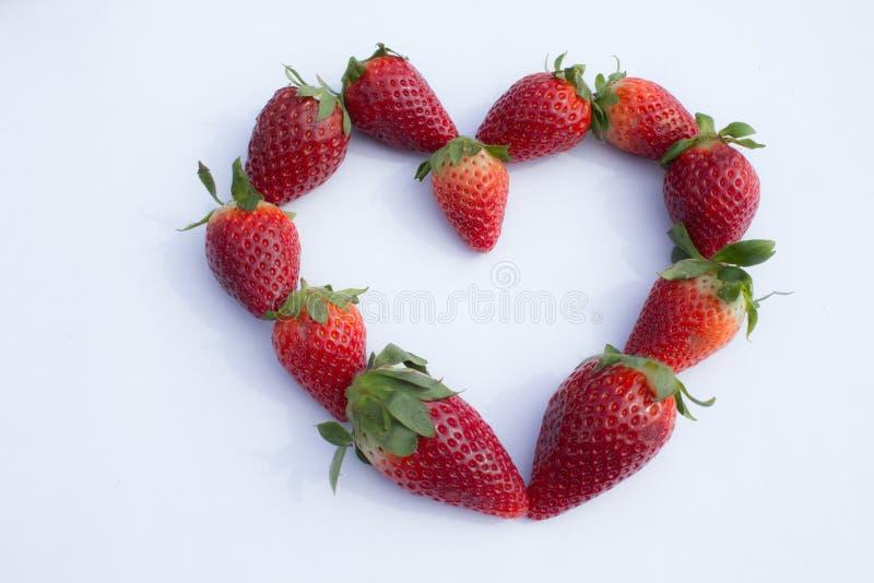 Сердце свежих клубник стоковая фотография