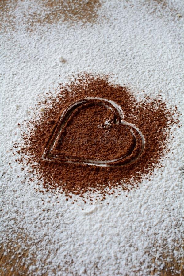 Download Сердце шоколада стоковое изображение. изображение насчитывающей день - 37928059
